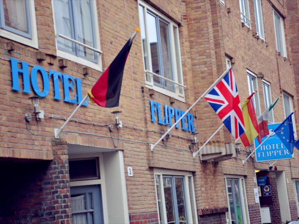 Hotel Flipper.jpg